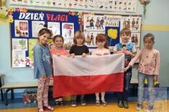 """Święto Flagi grupa """"Sowy"""" 2021"""