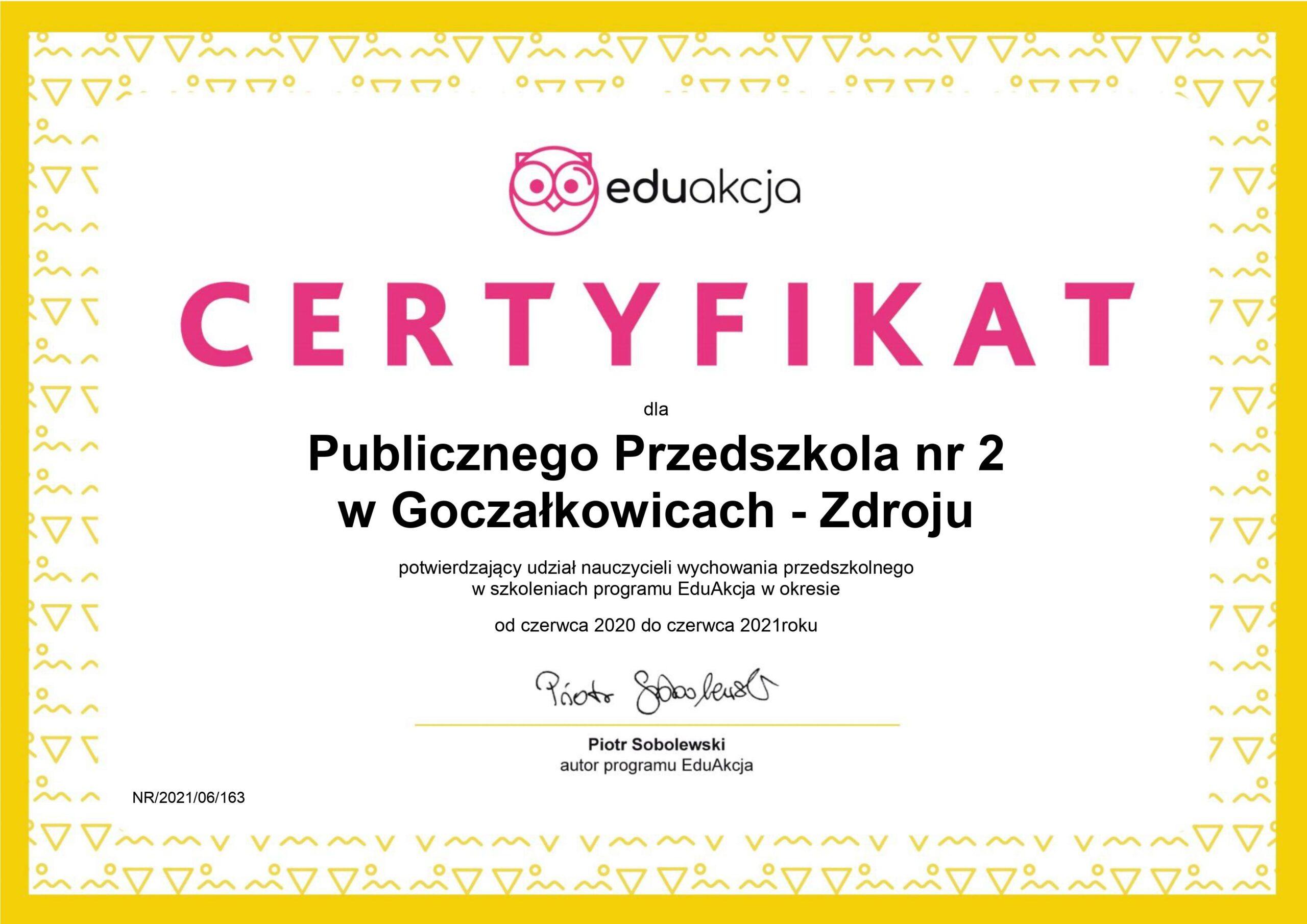Certyfikat potwierdzajacy udział nauczycieli w szkoleniach.